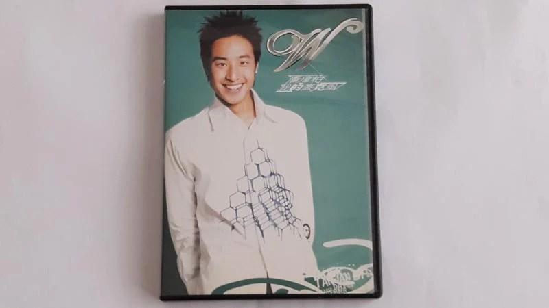 [福臨小舖](潘瑋柏 我的麥克風 CD+威兒秀演唱會菁華實錄VCD 正版CD+VCD) - 露天拍賣