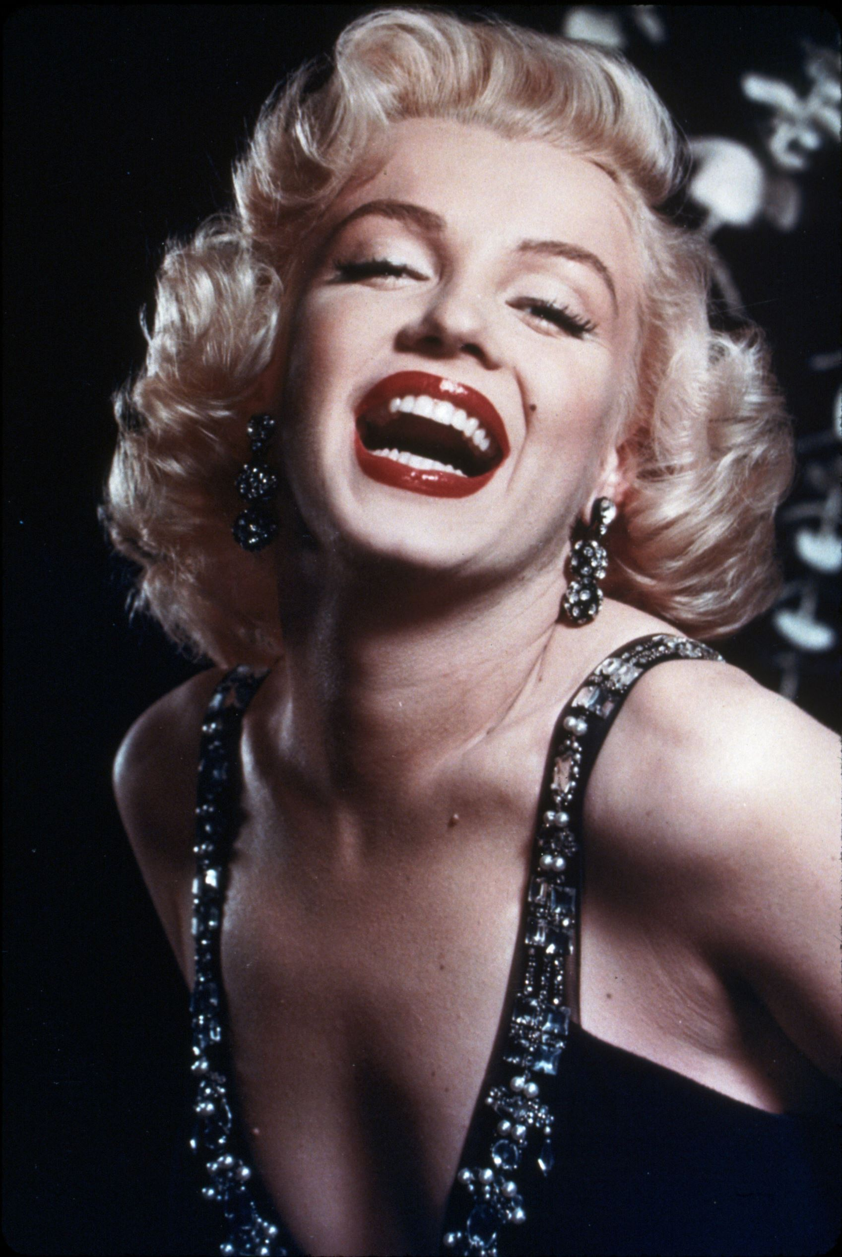 One of the biggest movie star of all time, Monroe personified style and oomph. The Hollywood diva continues to live in hearts of millions.