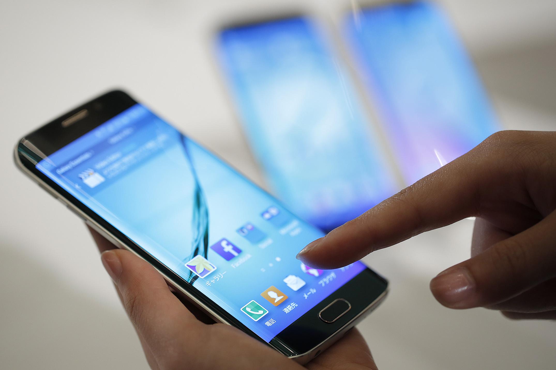 Samsung Galaxy S6 Edge smartphone.