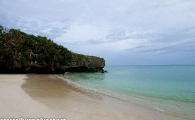 [沖繩]今帰仁村。逕自美麗的長浜沙灘