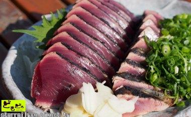 [高知]燒稻草DIY做超好吃的土佐名物『鰹魚半敲燒』(鰹のたたき)