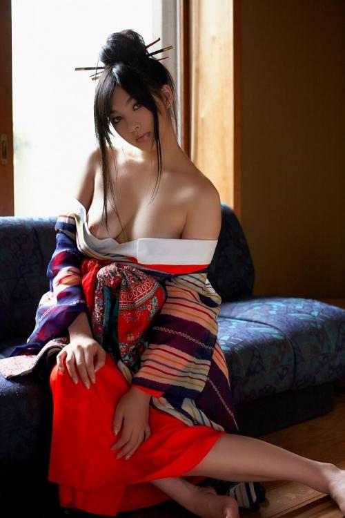 【三次】浴衣や着物をはだけさせオトコを誘うメスのエロ画像・4枚目