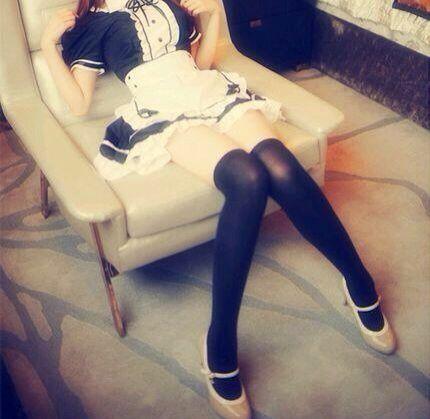 【三次】ニーソ履いてる女の子の太ももエロ画像part3・10枚目