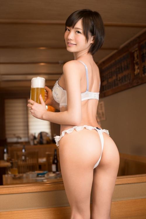【三次】撮影中の水分補給は全て酒!鈴村あいりちゃんがほろ酔いエロエロモードになって濃厚セックスしちゃってるエロ画像・5枚目