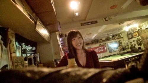 【三次】ダーツバーで「1人ダーツ」を楽しんでいる女性客を発見!一緒に飲んで遊んだ後はホテルに連れ込みHカップの乳を堪能しまくったハメ撮りエロ画像・4枚目