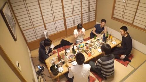 【三次】撮影中の水分補給は全て酒!鈴村あいりちゃんがほろ酔いエロエロモードになって濃厚セックスしちゃってるエロ画像・22枚目