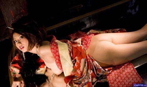【三次】浴衣や着物をはだけさせオトコを誘うメスのエロ画像・18枚目