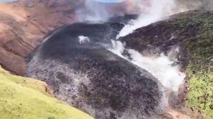 카리브해 섬 '화산 폭발'… 공포에서 탈출