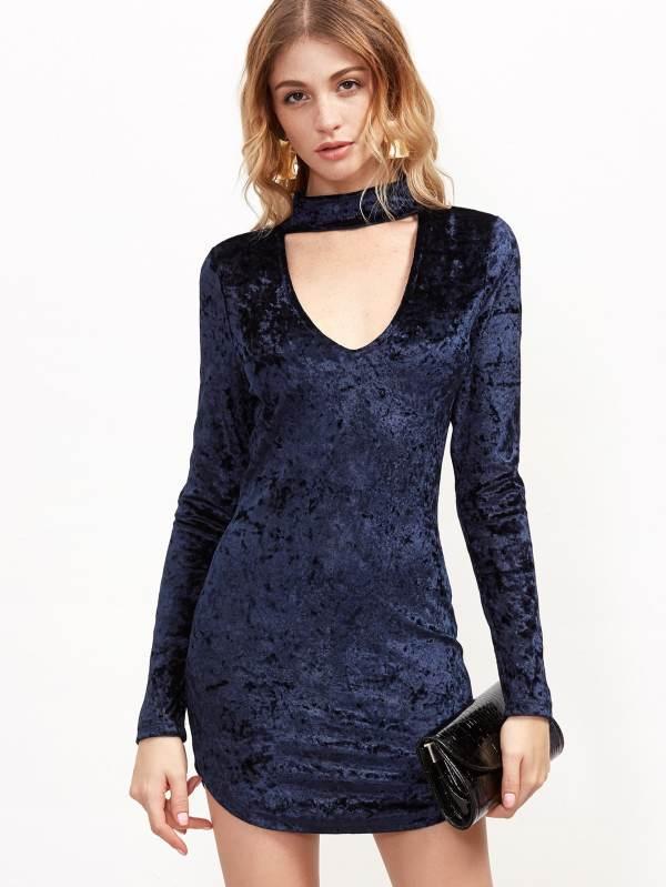 Prendas Terciopelo Tendencia 2017 look outfit mini vestido azul marino
