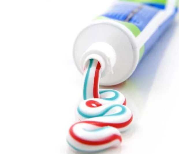 Pregnancy test at home with Toothpaste