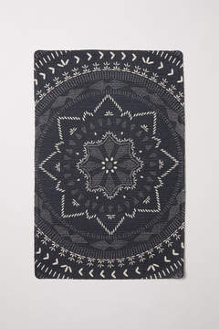 H&M – Patterned Bath Mat