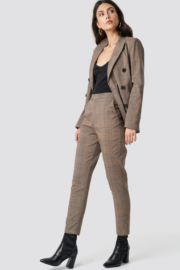 NA-KD Creased Checkered Suit Pants Brown Check