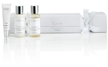 The White Company Seychelles Christmas Cracker Gift Set