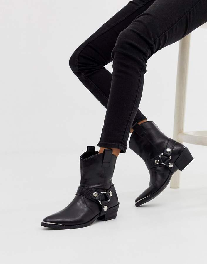 Steve Madden Gallow black leather western boot