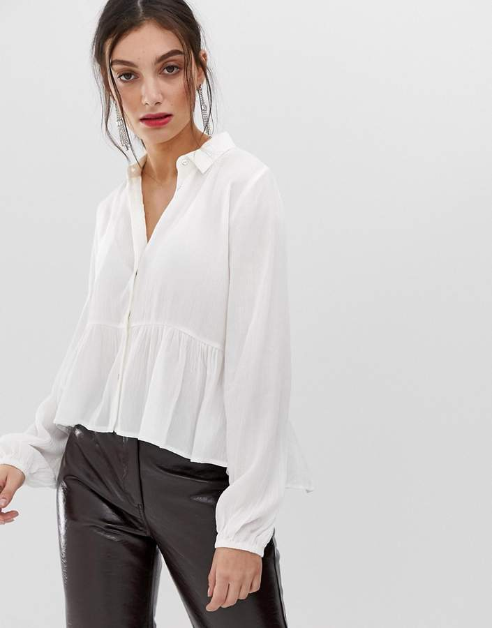 Stradivarius frill bottom vneck blouse in white