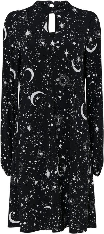 WallisWallis Black Star Print Swing Dress