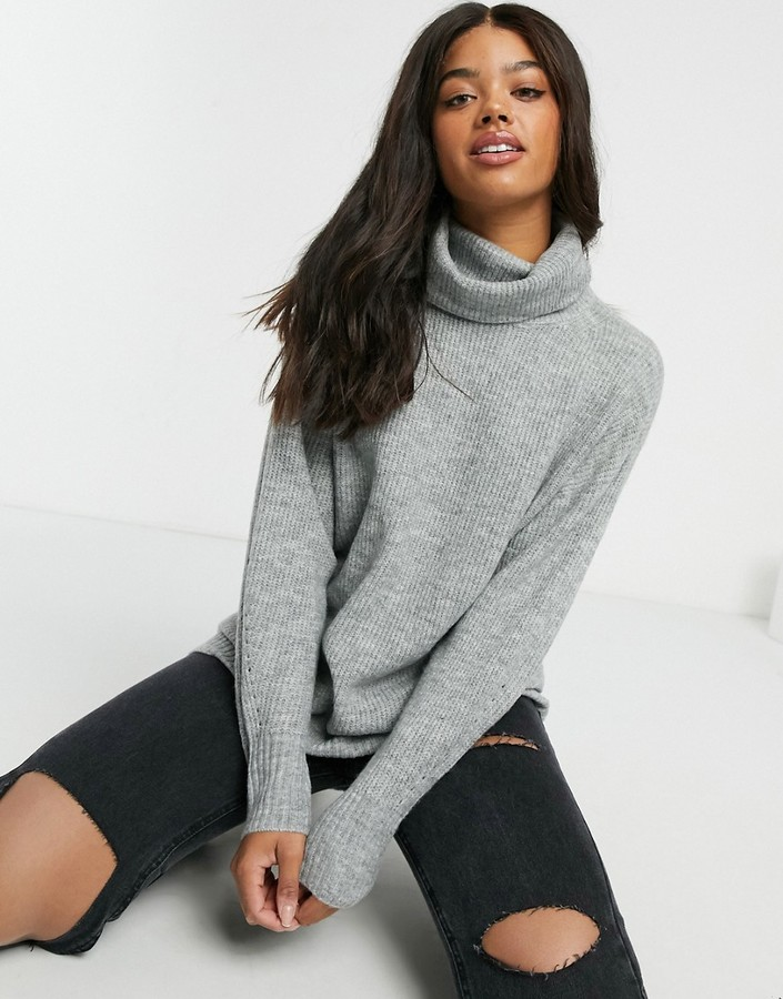 New Look Slouchy Turtleneck Sweater in Light Gray