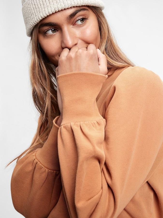 Winter loungewear Gap tangerine sweatshirt