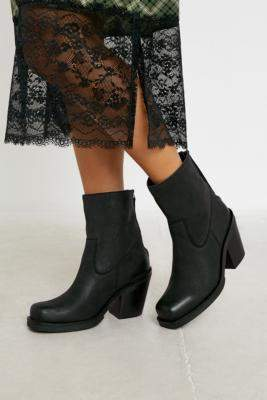 UO Betsey Square Toe Leather Western Boots - black UK 3 at Urban Outfitters