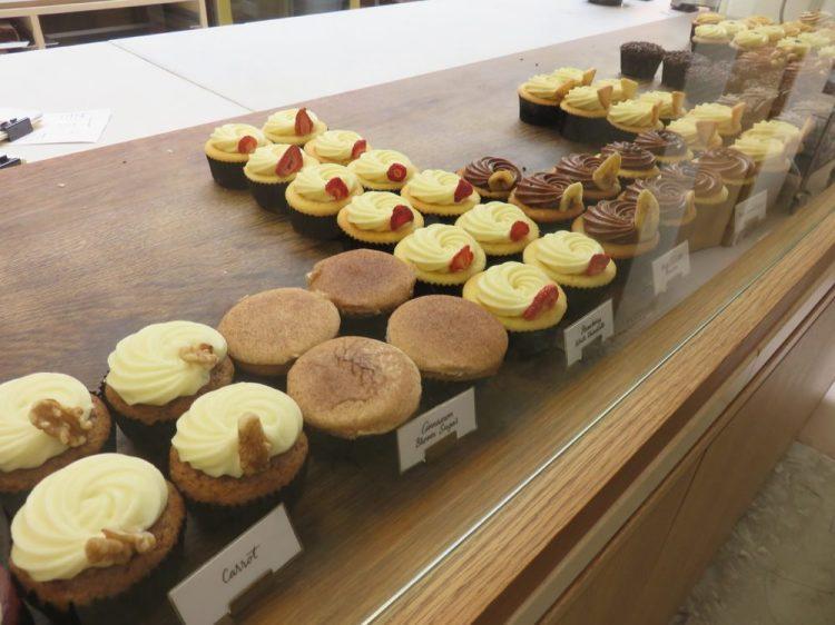 新加坡麵包Plain Vanilla Bakery 烘焙甜點杯子蛋糕的金賞天堂