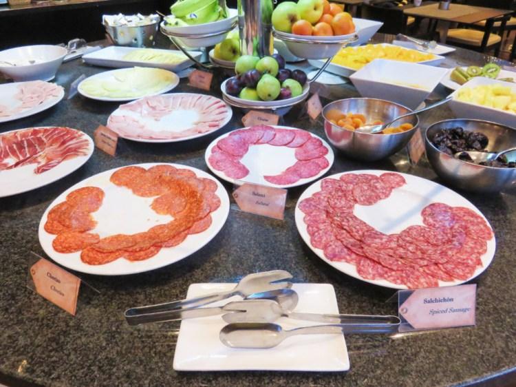 巴塞隆納飯店 喜來登西班牙常見早餐都濃縮在自助餐裡