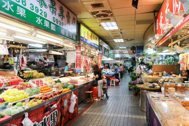 傳統市場 台北天下第一攤部落客推美食 豬腳滷味肉乾快炒太好吃