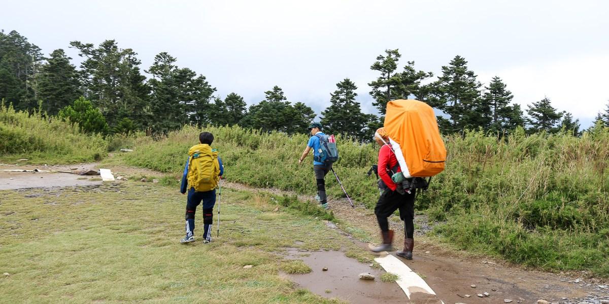 爬山穿雨鞋還是登山鞋?跟登山新手無關,跟山路跟你的腳最有關