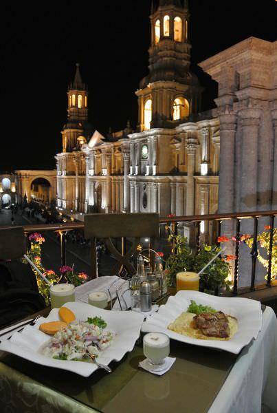 《南美》祕魯。阿雷基帕。Restaurant on the Top。變身祕魯人我吃了羊駝 我沒醉~