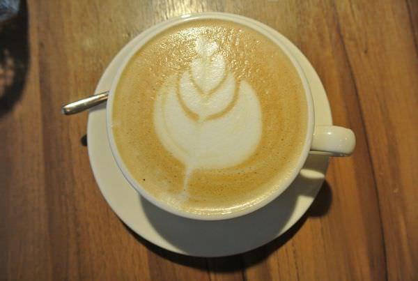 《台北》Homie Cafe。誰說新美式咖啡館就是要吵雜?!