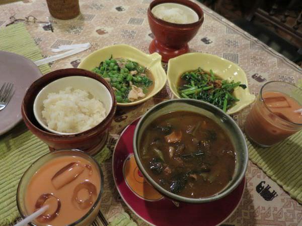 泰國清邁。Huen Phen 風靡清邁的泰北餐廳 而我不解風情