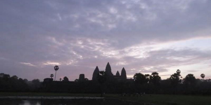 吳與倫比。柬埔寨 從 Angkor Wat 小吳哥日出開始