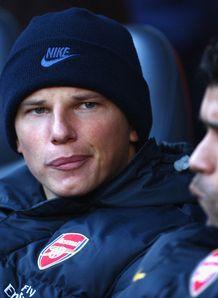 https://i2.wp.com/img.skysports.com/09/02/218x298/Tottenham-v-Arsenal-Andrey-Arshavin-bench_1863608.jpg