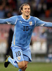 https://i2.wp.com/img.skysports.com/10/07/218x298/Diego-Forlan-Uruguay-Third-Fourth-Place-Play-_2476254.jpg