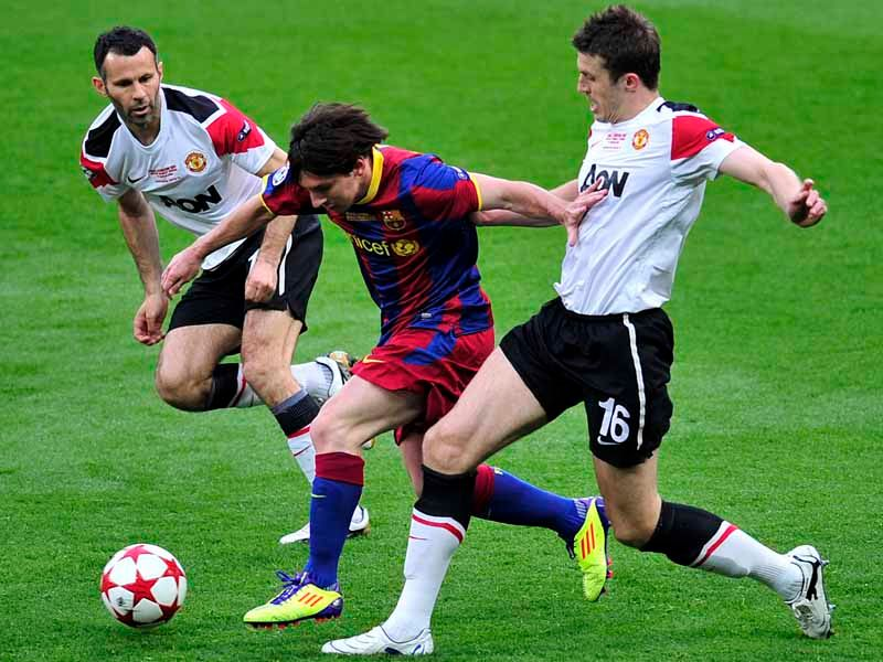 messi splits giggs and carrick in the champions league final