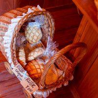 沖繩瀨底島 | Mokupuni超好吃菠蘿麵包,巨大原味菠蘿麵包、菠蘿麵包脆餅聖代