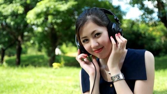 美丽,快乐,快乐,听音乐(图片)