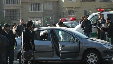 La voiture du scientifique Fereydoun Abbassi, visé par un attentat à la bombe le 29 novembre à Téhéran