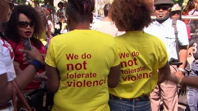 Le chandail porté par des membres de la communauté congolaise pour soutenir la victime d'une agression sexuelle, survenue à Ottawa, le 3 juillet dernier.