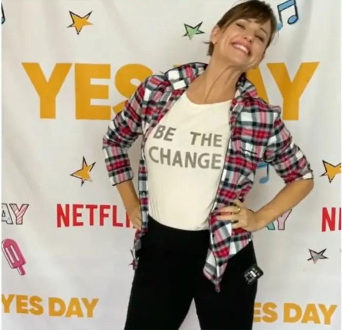 """Jennifer Garner does a home premier of """"Yes Day"""""""