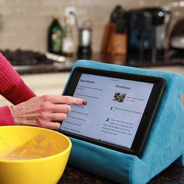 flippy tablet stand pillow holder