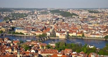 捷克 | 布拉格:搭纜車遊佩特任山Petrin Hill,眺望布拉格新舊城景絕佳地點