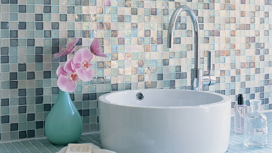 13 Creative Bathroom Tile Ideas