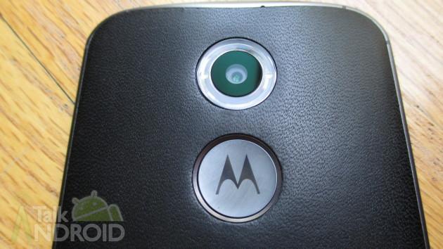 Moto_X_2014_2nd_Gen_Motorola_Logo_Camera_Lens_01_TA