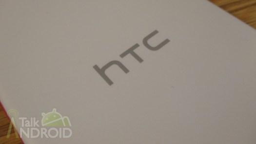 HTC_Desire_Eye_Back_HTC_Logo_TA