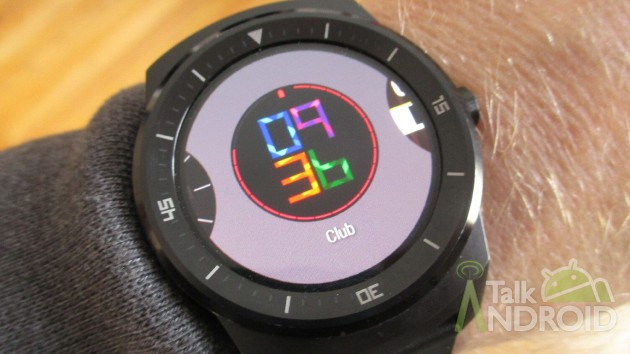 LG_G_Watch_R_Selecting_Watch_Faces_TA