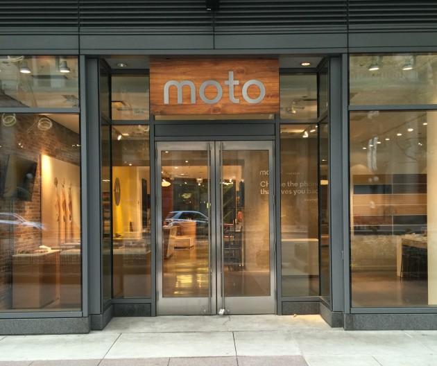 Motorola-Moto-Shop-Storefront