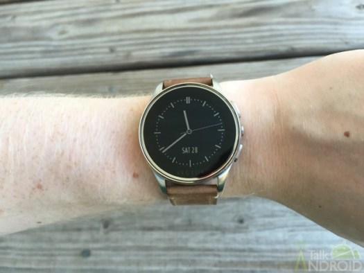 vector_watch_display_front_TA