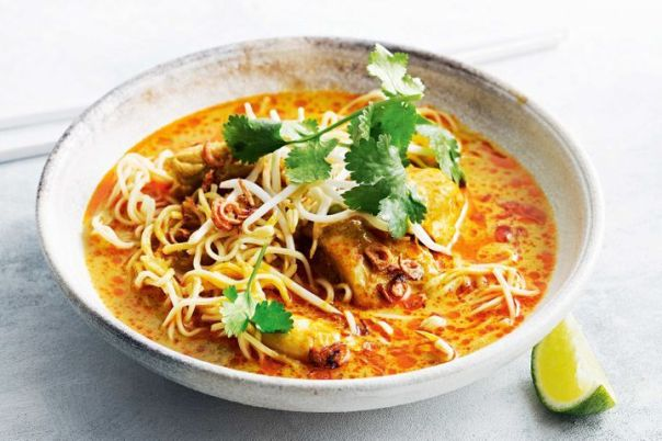 Northern Thai chicken and noodle curry