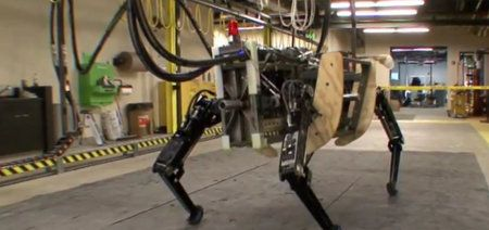 AlphaDog, un robot creado para asistir a los militares