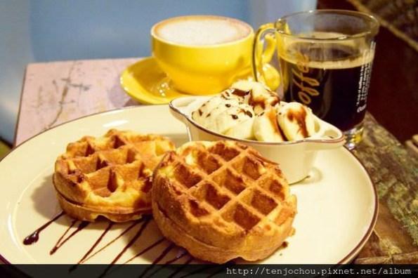 【台北食記】Color Roast cafe咖樂烘豆 飲料+鬆餅只要150元 東區不限時超平價咖啡店
